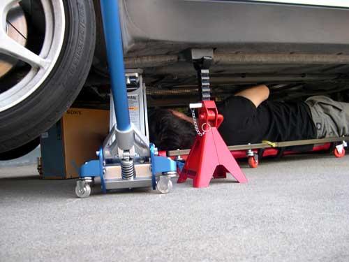 Инструкция за безопасна работа под окачено превозно средство