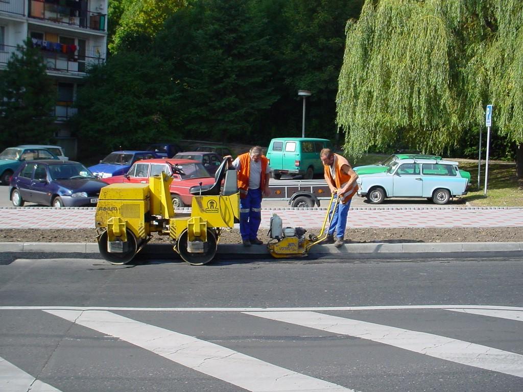 Инструкция за безопасна работа при извършване на ремонт на пътни настилки