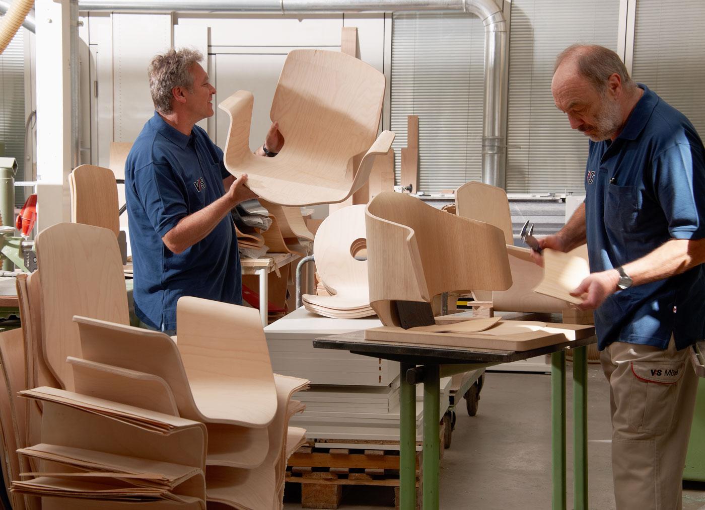 Инструкция за безопасна работа при повърхностна обработка на мебели