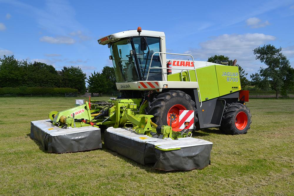 Инструкция за безопасна работа при обслужване на самоходна селскостопанска машина