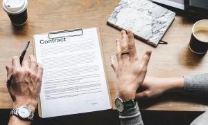 Работодатели, наели работници без трудов договор, губят право да участват в обществени поръчки за три години