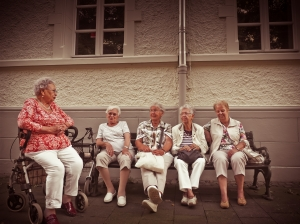 Таблици за условията за придобиване право на пенсия за осигурителен стаж и възраст