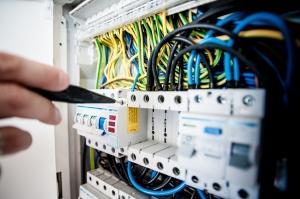 Най-честите причини за инциденти в резултат на поражение от електрически ток